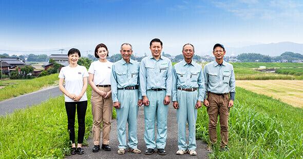 福岡の造園・エクステリア・外構工事の小林造園建設株式会社の社員一同写真